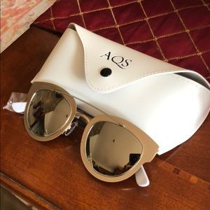 fe538d4b75 Never Worn AQS Jolene Gold Metallic Sunglasses